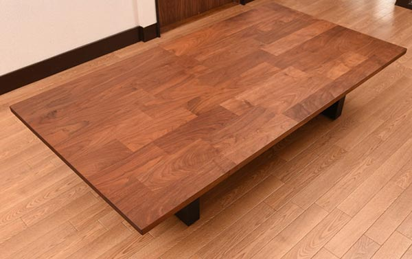 マスターウォールワイルドウッドリビングテーブル