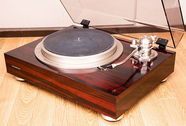パイオニアレコードプレーヤーPL70